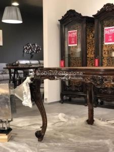 Trattamento antitarlo su mobili in legno pregiati